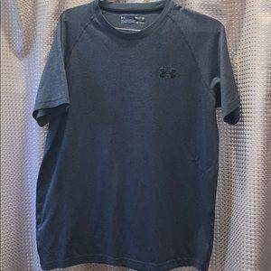 Under Armour Loose Heatgear Shirt Size Small